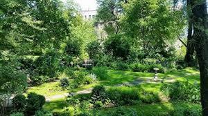 Morris-JUmel Mansion gardens