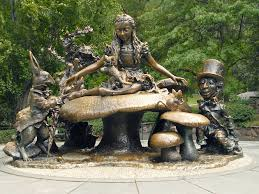 Alice in Wonderland Statue.jpg