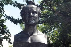 Alexander Von Humbrolt statue.jpg
