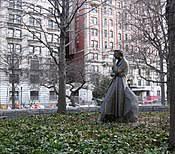 Eleanor Roosevelt Statue.jpg
