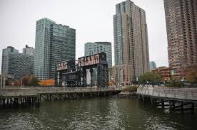 Long Island City Skyline.jpg