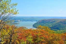 The Hudson River Valley in the Fall