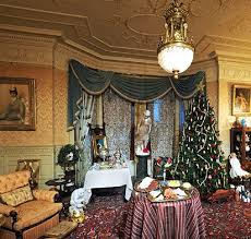 Ballantine House Christmas.jpg