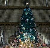 metropolitan-museum-of-art-christmas-tree.jpg