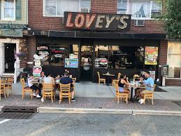 Lovey's Pizza